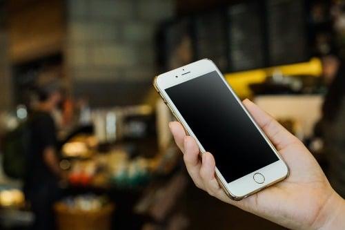 選擇最適合計劃 手提電話網絡供應商一覽