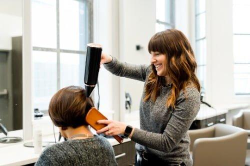 理髮及美容也可以網上找和預約