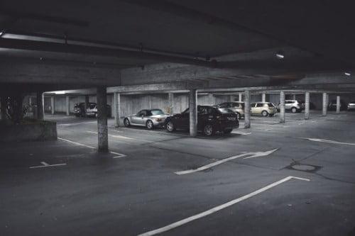 學懂看泊車指示 輕鬆泊車不違例